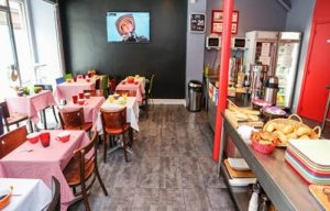 breakfast room hostel le regent in paris